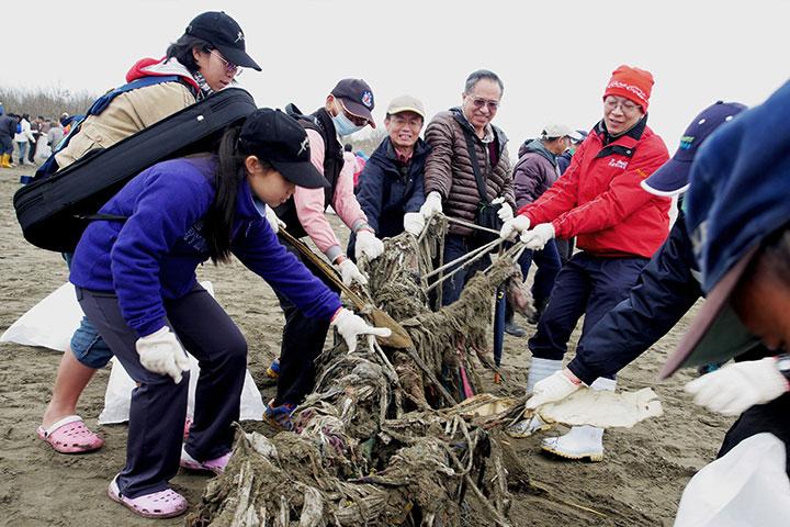 福智與公眾合作,千人齊心為永續海洋生態盡心力